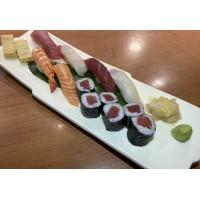 Sushi variado tradicional (6piezas de nigiri, 6 piezas de maki atún)